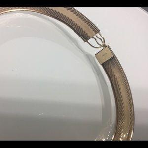 Jewelry - 10k gold Bangle bracelet